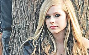 18.3 - Avril Lavigne - Head Above Water - World Tour 2021 @ Stadthalle Wien (Stehplatz)